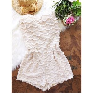 Stylish life girly ruffled lace romper 🌾